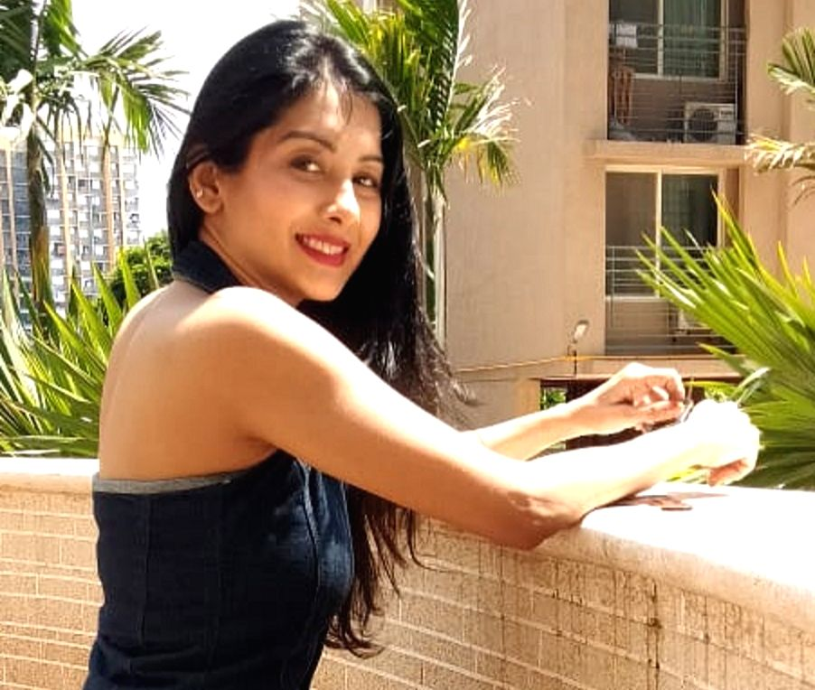 """It's World Food Day and """"Yeh Rishta Kya Kehlata Hai"""" actress Simran Khanna says nowadays people are taking supplements and medicines for nutrition, but simple homemade food is no less when it comes to nourishing your body. - Simran Khanna"""