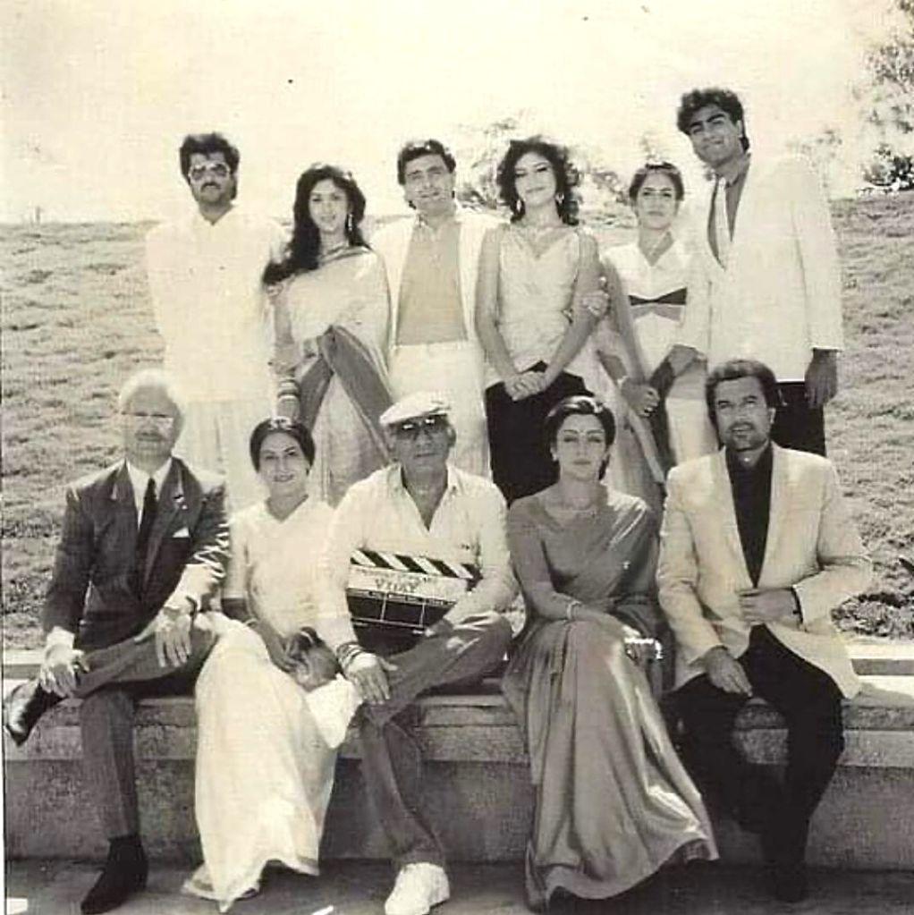 """It was a nostalgic Tuesday for veteran actor Anupam Kher as he shared a 31-year-old throwback picture from the set of Yash Chopra's """"Vijay"""", which released in 1988. - Anupam Kher and Yash Chopra"""