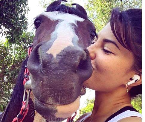 Jacqueline Fernandez kisses her 'sunrise buddy' in new pic.