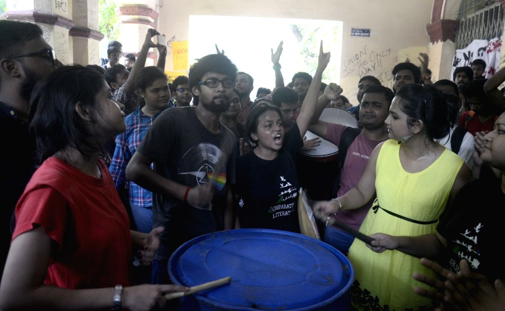 Jadavpur University students stage a protest against the West Bengal government's directive to replace the existing students union with a nominated students' council. in Kolkata, on Aug 11, ...