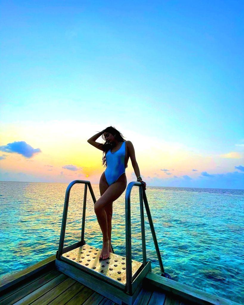 Jahnvi Kapoor's summer beach glam.(Photo:IANSLIFE) - Jahnvi Kapoor