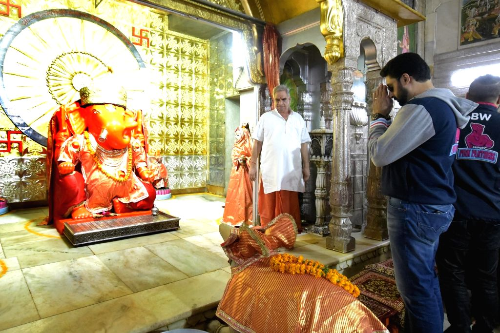 Jaipur Pink Panthers' co-owner Abhishek Bachchan pays obeisance at Moti Doongri Ganesh temple in Jaipur, on July 25, 2017. - Abhishek Bachchan