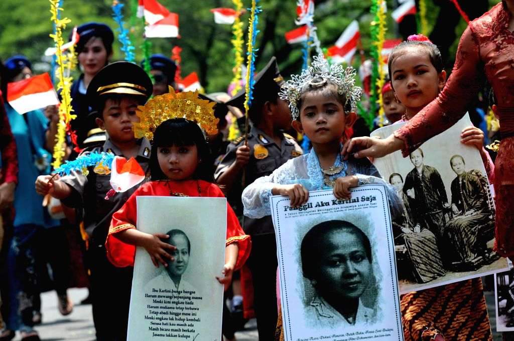 "JAKARTA, April 21, 2016 - Students of an alternative school for poor families ""SAAJA"" (Sekolah Anak-Anak Jalanan) wearing Indonesian traditional costumes during the commemoration of Kartini ..."