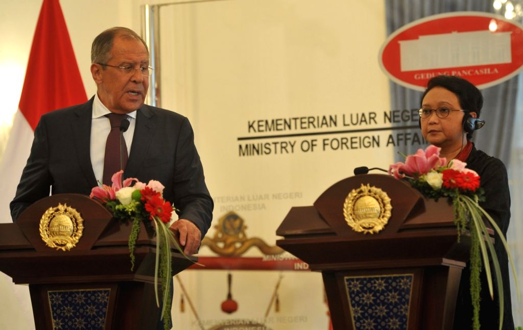 JAKARTA, Aug. 9, 2017 - Russian Foreign Minister Sergei Lavrov (L) and Indonesian Foreign Minister Retno Marsudi attend a joint press conference in Jakarta, Indonesia, Aug. 9, 2017. - Sergei Lavrov