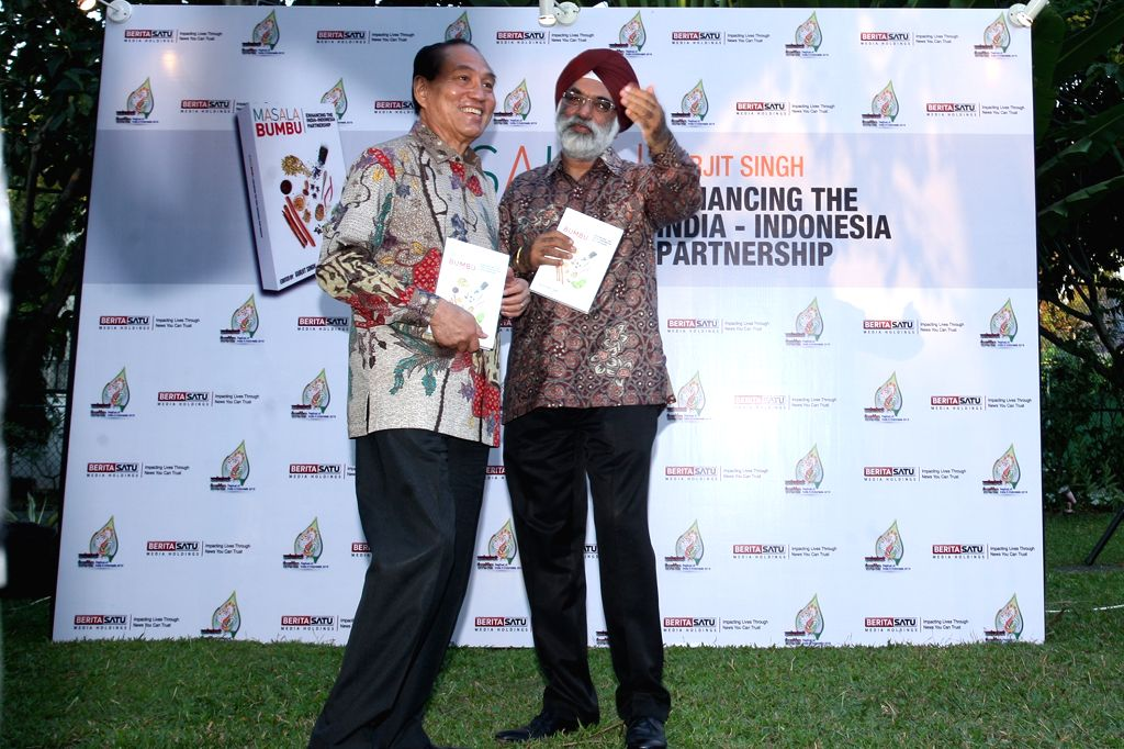 Jakarta (Indonesia): India's ambassador to Indonesia Gurjit Singh at the launch of his book `Masala Bumbu` in Jakarta, Indonesia on Aug 10, 2015. - Gurjit Singh