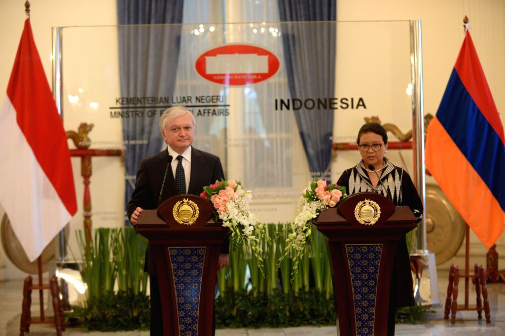 JAKARTA, Nov. 1, 2016 - Indonesian Foreign Minister, Retno Marsudi (R) delivers a speech with Armenian Foreign Minister Edward Nalbandyan in Jakarta, Indonesia, Nov. 1, 2016. Armenian Foreign ... - Edward Nalbandyan