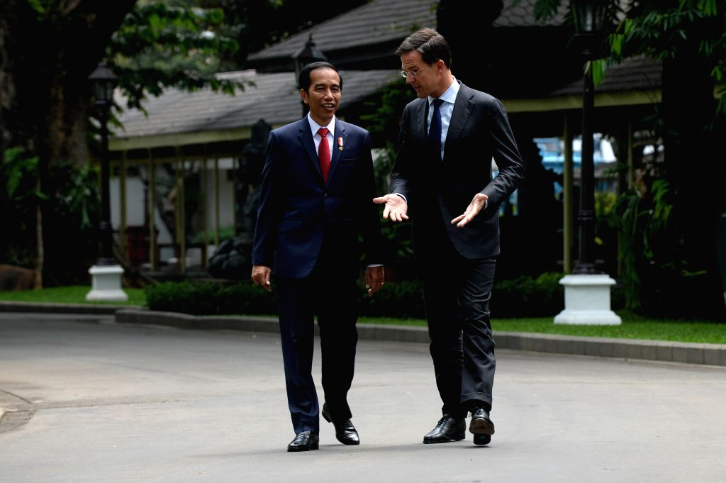 JAKARTA, Nov. 23, 2016 - Indonesian President Joko Widodo (L) talks with Dutch Prime Minister Mark Rutte at the Presidential Palace in Jakarta, Indonesia, Nov. 23, 2016. Dutch Prime Minister Mark ... - Mark Rutte
