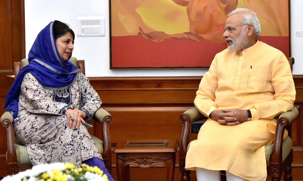 Jammu and Kashmir Chief Minister Mehbooba Mufti calls on the Prime Minister Narendra Modi in New Delhi on Oct 5, 2016. - Mehbooba Mufti and Narendra Modi