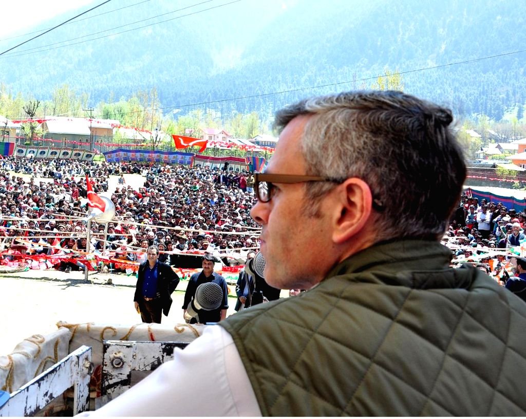 Jammu and Kashmir Chief Minister Omar Abdullah during a rally in Kangan of Jammu and Kashmir on April 28, 2014. - Omar Abdullah