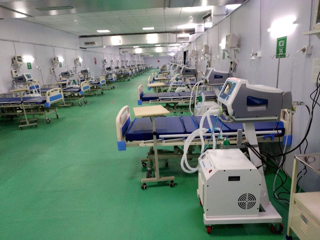Jammu and Kashmir LG Manoj Sinha today inaugurated a 500-bedded DRDO COVID Hospital with an ICU facility, at Khonmoh in Srinagar On wed, 09 june, 2021. - Manoj Sinha