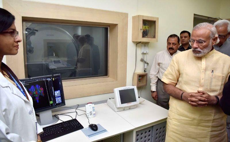 Jammu and Kashmir: The Prime Minister Narendra Modi at Shri Mata Vaishno Devi Narayana Superspeciality Hospital at Katra in Jammu and Kashmir on April 19, 2016. - Narendra Modi