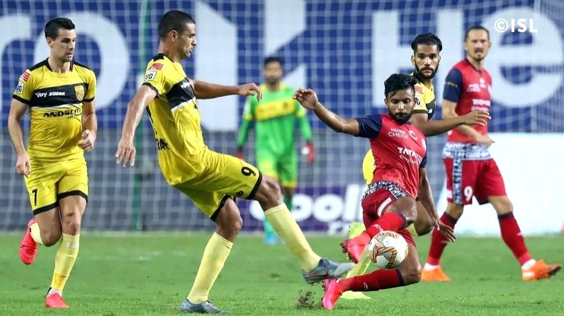 Jamshedpur end string of defeats with 0-0 draw vs Hyderabad.(photo:indiansuperleague)