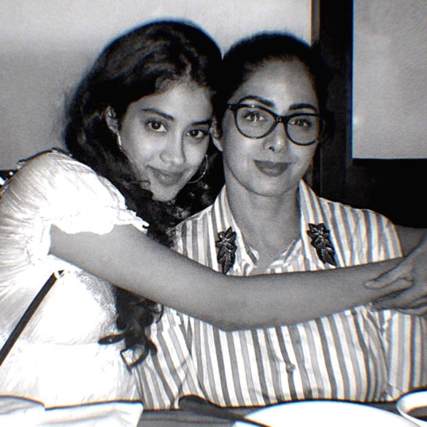 Janhvi posts pic with mother Sridevi: I love you mumma.