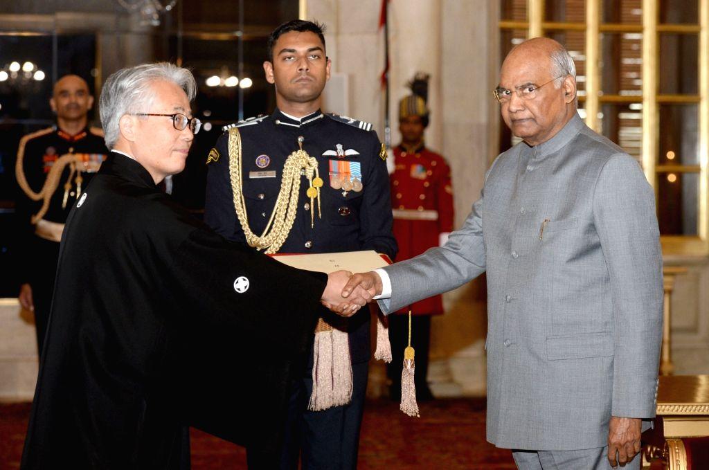 Japan Ambassador Satoshi Suzuki and President Ram Nath Kovind. (Photo: IANS/RB) - Nath Kovind