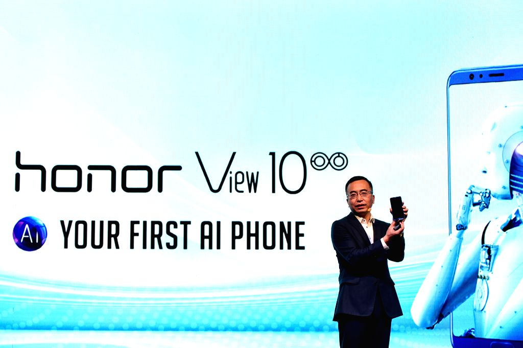 JARKATA, March 27, 2018 - Zhao Ming, CEO of Honor, a subsidiary of the Chinese telecommunications giant Huawei, introduces products of Honor in Jarkata, Indonesia, March 27, 2018. Honor, a subsidiary ...