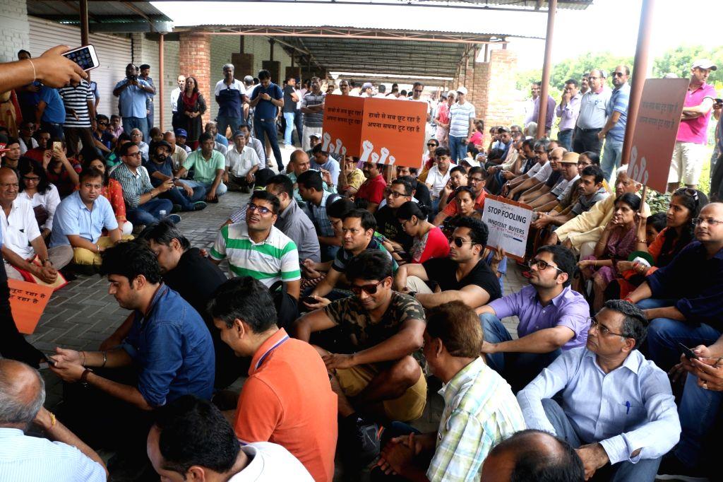 Jaypee Group homebuyers protest in Noida on Aug 12, 2017.