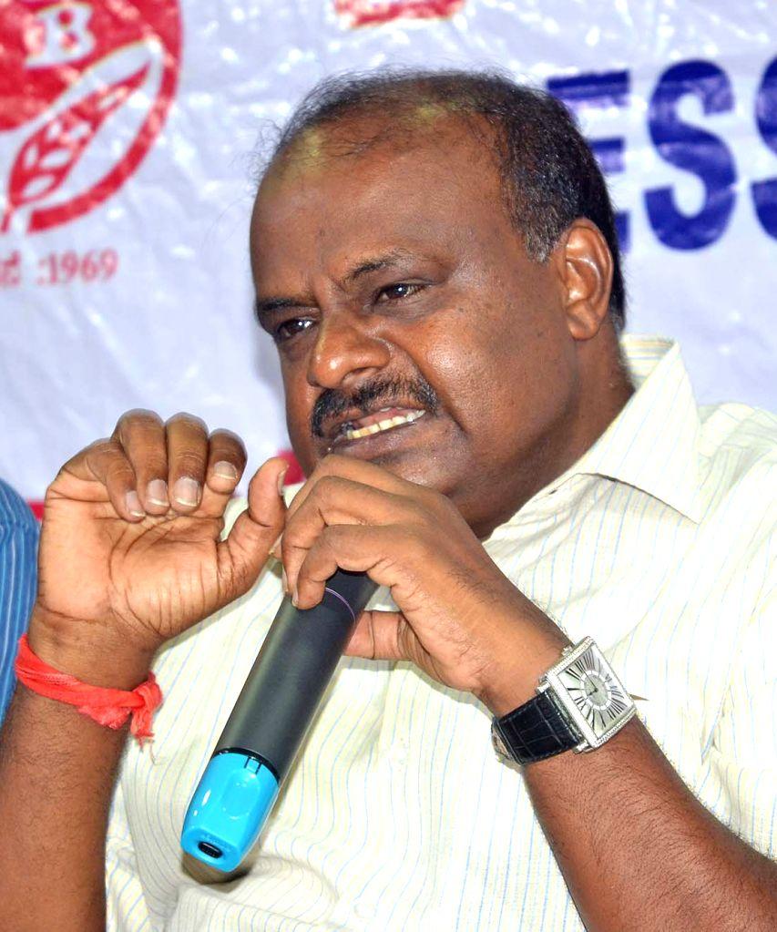JD(S) Karnataka chief H D Kumaraswamy addresses a press conference in Bengaluru on May 21, 2017.