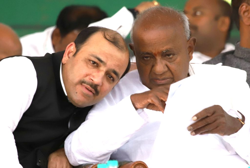 JD-S Supremo H.D. Deve Gowda and Danish Ali during a party programme at Palace Grounds in Bengaluru on Jan 30, 2019.