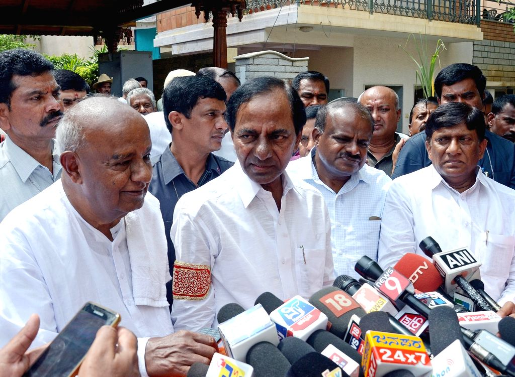 JD(S) supremo H. D. Deve Gowda talks to press at his residence in Bengaluru, on April 13, 2018. Also seen Telangana Chief Minister K Chandrasekhar Rao. - K Chandrasekhar Rao