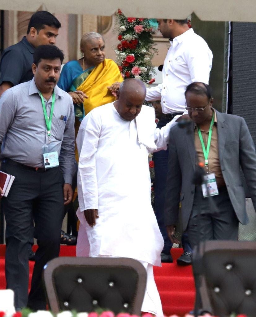 JD(S) supremo HD Deve Gowda at the swearing in ceremony of his son Karnataka Chief Minister H.D.Kumaraswamy in Bengaluru on May 23, 2018. - H.