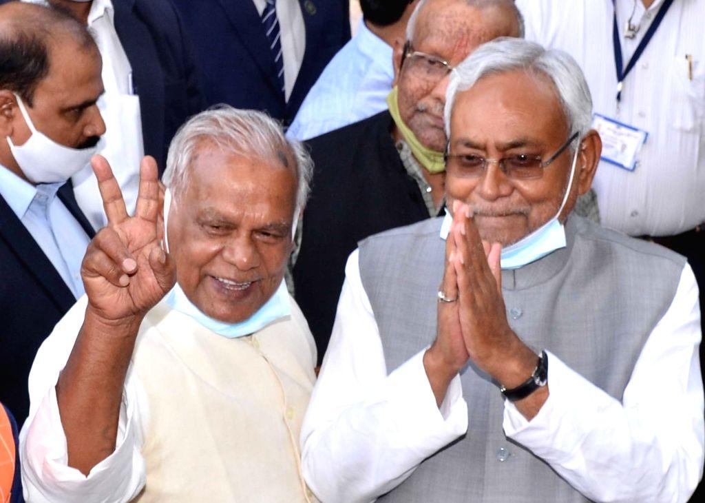 JD(U) National president and Bihar chief minister  Nitish Kumar with HAM(S) chief Jitan Ram Majhi, BJP state president Sanjay Jaiswal and VIP chief Mukesh Sahni after meeting Governor Phagu ... - Nitish Kumar