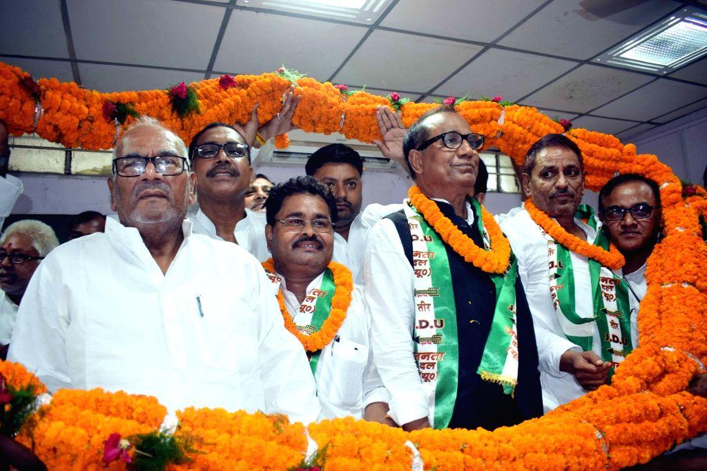 JD-U state President Vashisht Narayan Singh during a programme in Patna on Sept 12, 2017. - Vashisht Narayan Singh