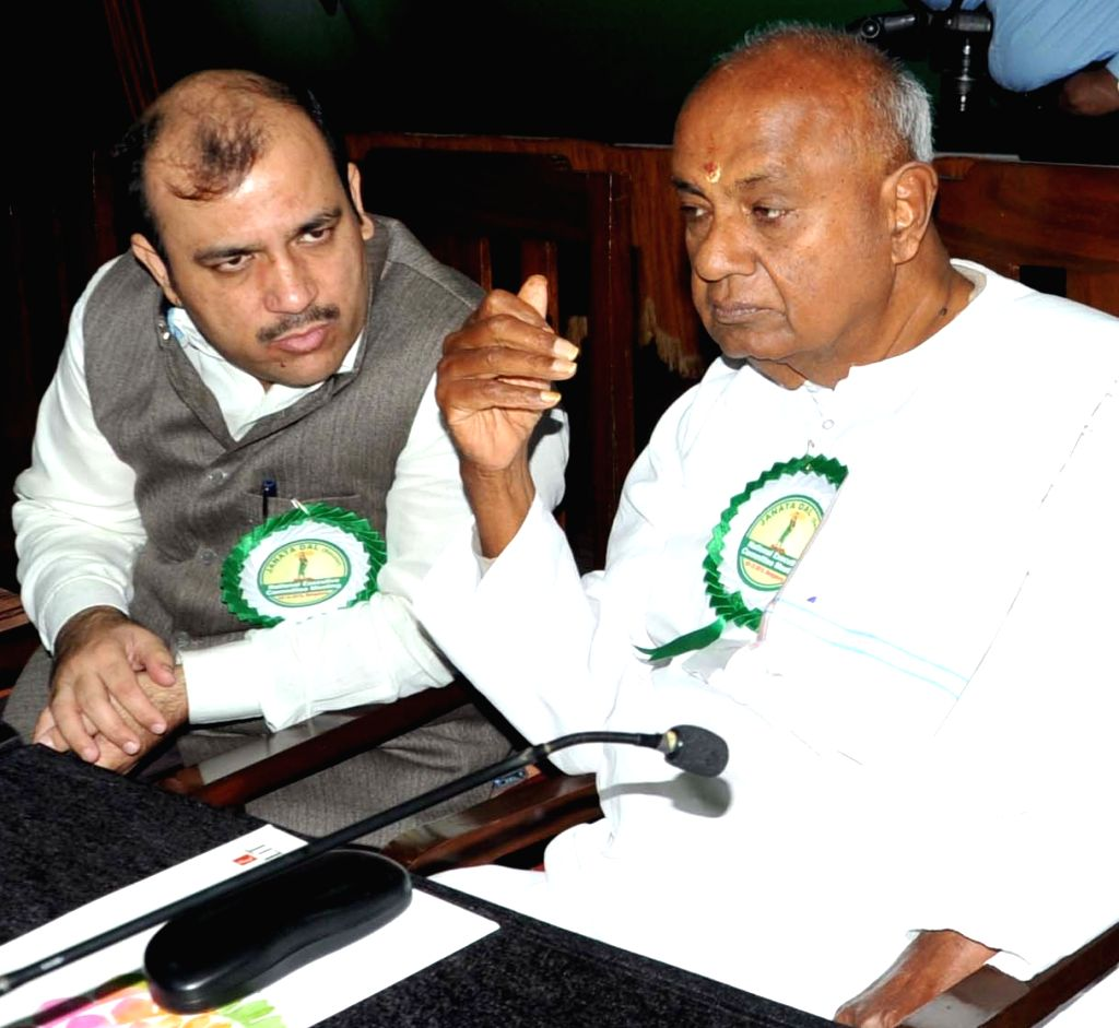 JDS supremo HD Deve Gowda and other party leaders during JDS National Executive Committee meeting in Bengaluru on Dec 3, 2015.