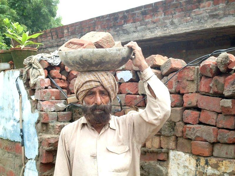 Jeet Singh, great grand nephew of Shaheed Udham Singh. - Jeet Singh and Udham Singh