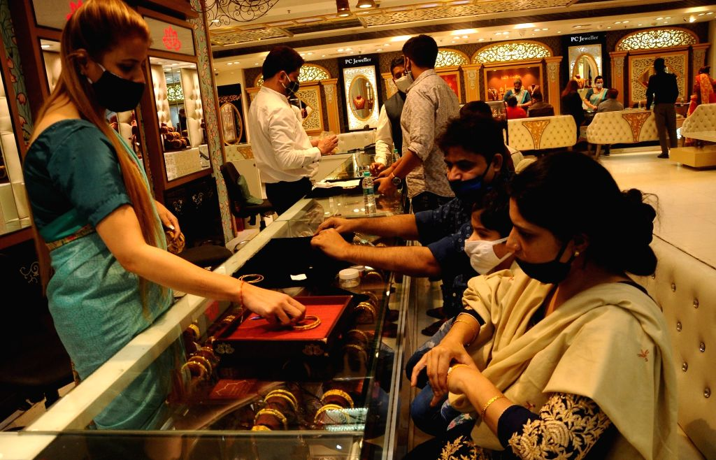 Jewellery sellers upbeat on Dhanteras despite Covid effect