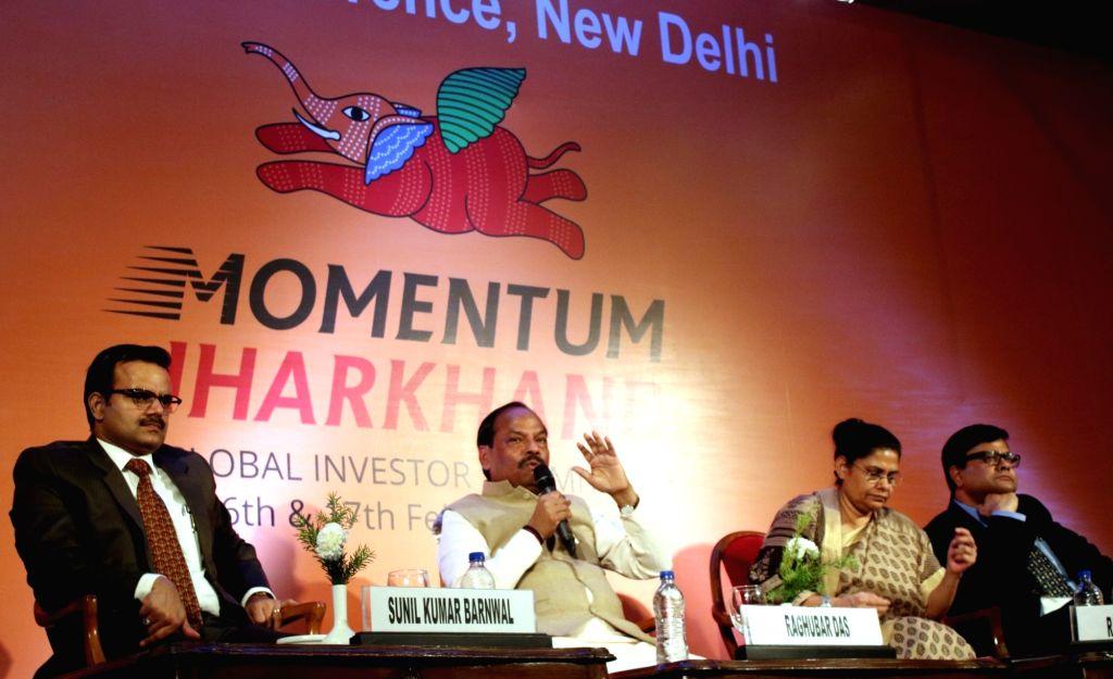 Jharkhand Chief Minister Raghubar Das addresses a press conference regarding Jharkhand Global Investor Meet 2016-2017, in New Delhi on Aug 4, 2016. - Raghubar Das