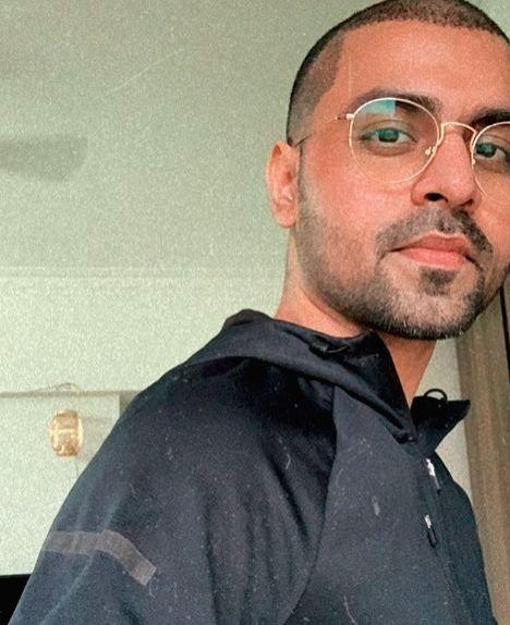 Jitendra Kumar's 'self haircut' goes wrong. - Jitendra Kumar