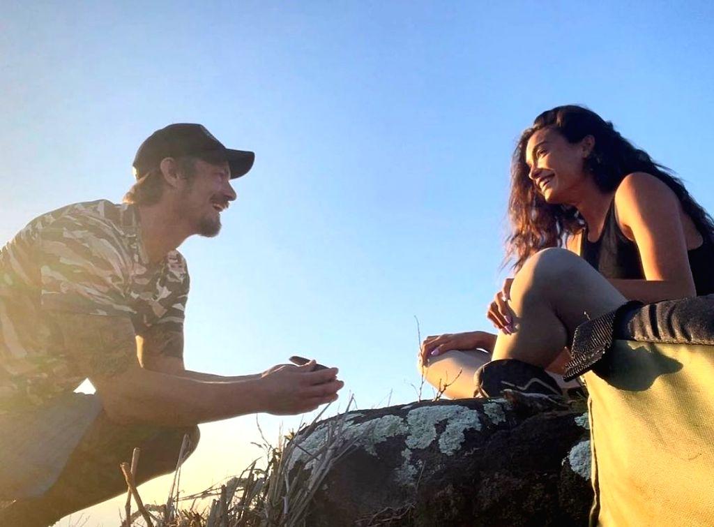 Joel Kinnaman and Kelly Gale.(photo:instagram)