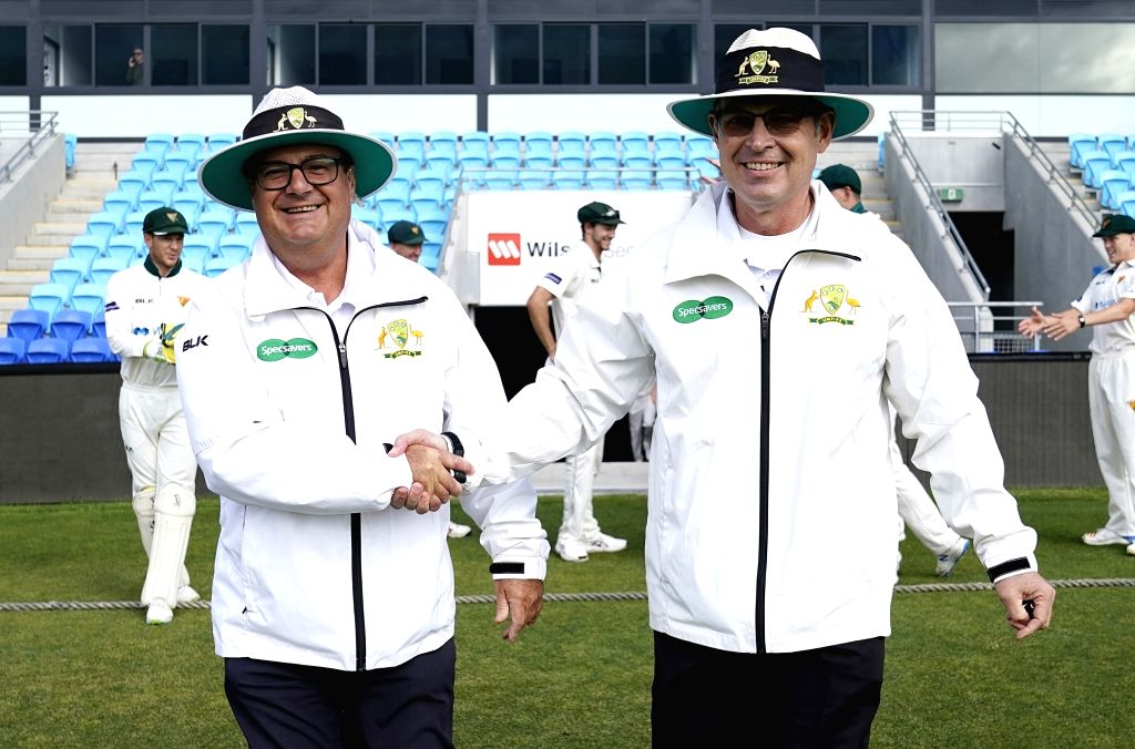 John Ward, Simon Fry retire from elite umpiring.