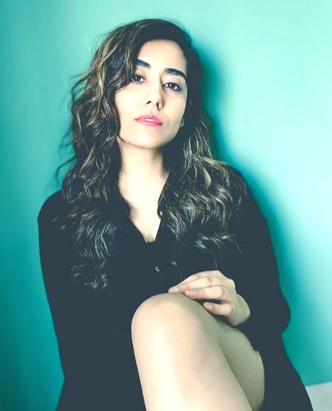 Jonita Gandhi calls her new track by Rahman 'hauntingly beautiful' - Jonita Gandhi