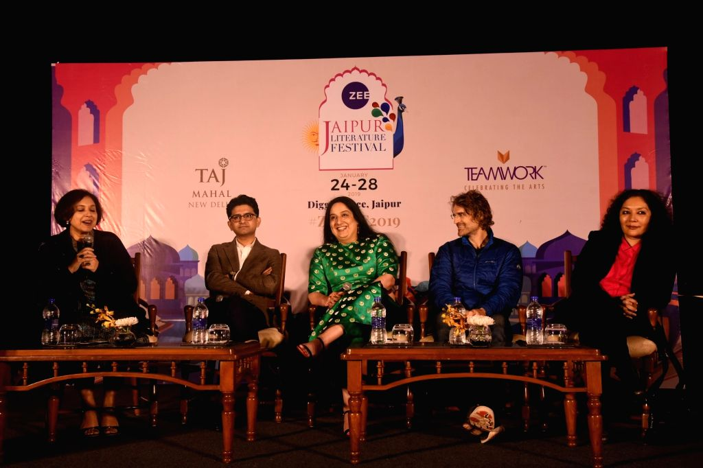 """Journalists Suhasini Haider, Nikhil Kumar, Jeffrey Gettleman and author Saba Naqvi at a panel discussion on """"the First Draft of History, the Perils of Journalism"""" during the ZEE ... - Nikhil Kumar"""