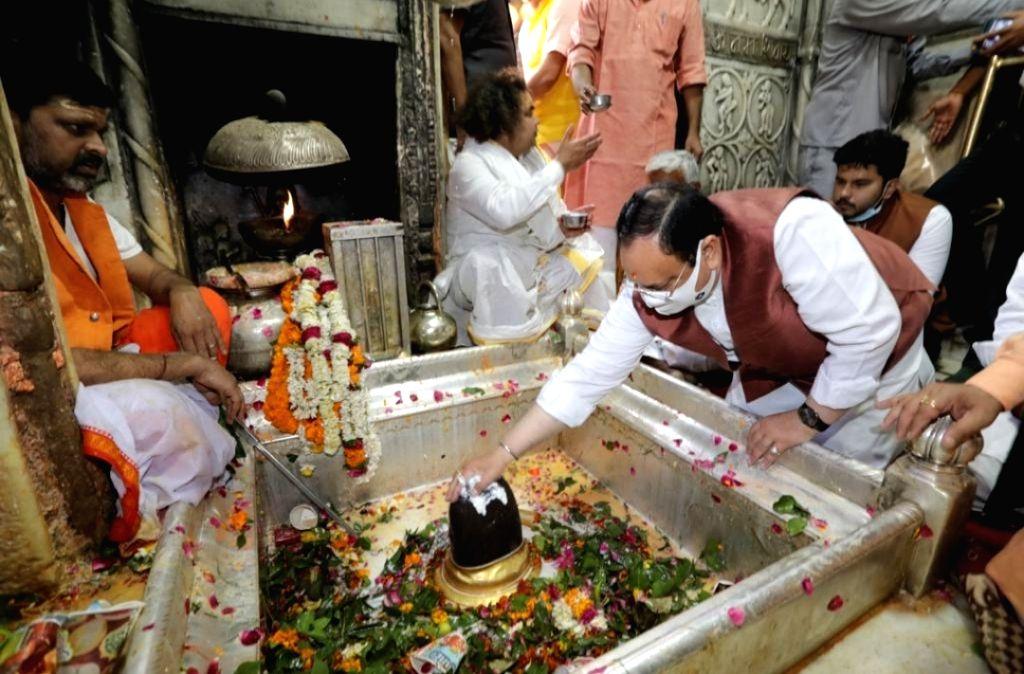 JP Nadda offers prayers at Kashi Vishwanath Temple in Varanasi.