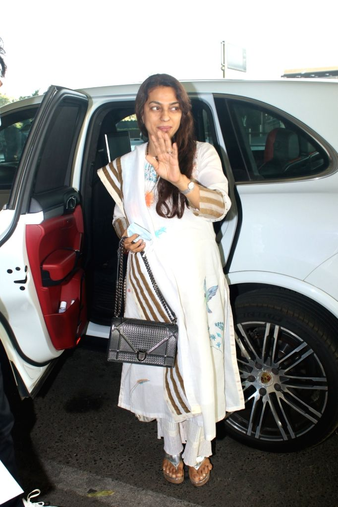 Juhi Chawla Spotted At Airport Departure on Monday 01st March 2021. - Juhi Chawla