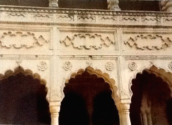 Just a short distance from Mathura lies Deeg, known for its number of forts, palaces, gardens and fountains. It was treated as a summer resort of the Jat Maharajas of Bharatpur. The Jats of Bharatpur are said to have risen to power during the period