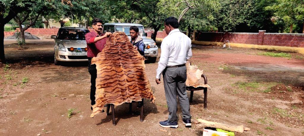 K'taka forest officials raid astrologer's house, seize tiger skin, claws.