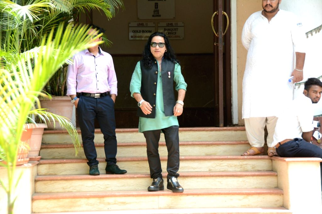 Kailash Kher arrives at the Haldi ceremony of son of  Assistant Commissioner of Customs (Preventive Wing) Deepak Pandit, in Mumbai's Juhu on May 27, 2018. - Kailash Kher