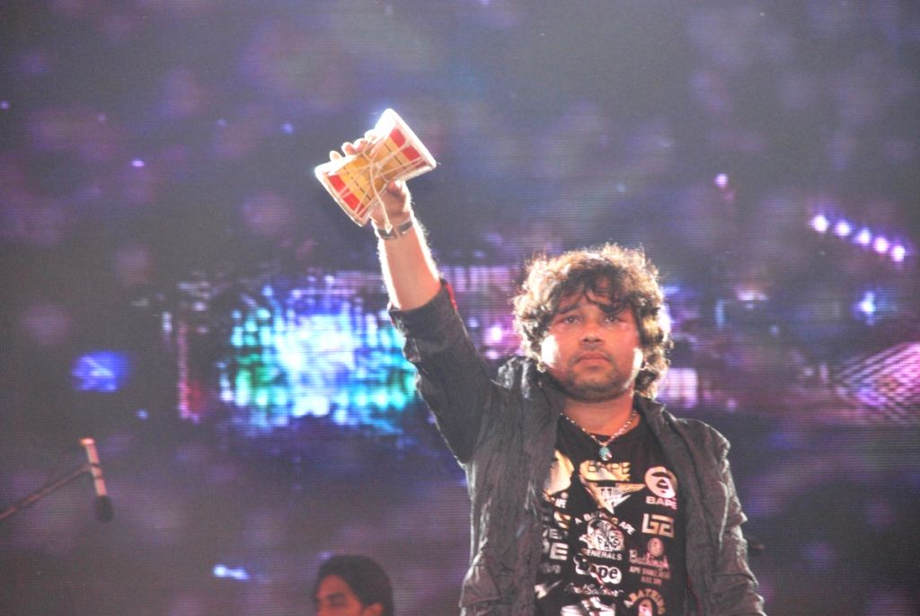 Kailash Kher at Adda concer at Channel V Big. - Kailash Kher