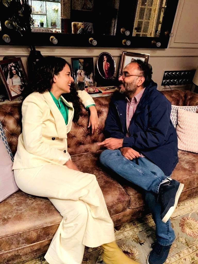 Kangana Ranaut hosts dinner for 'Tejas' director. - Kangana Ranaut
