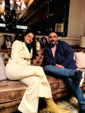 Kangana Ranaut hosts dinner for 'Tejas' director - Kangana Ranaut