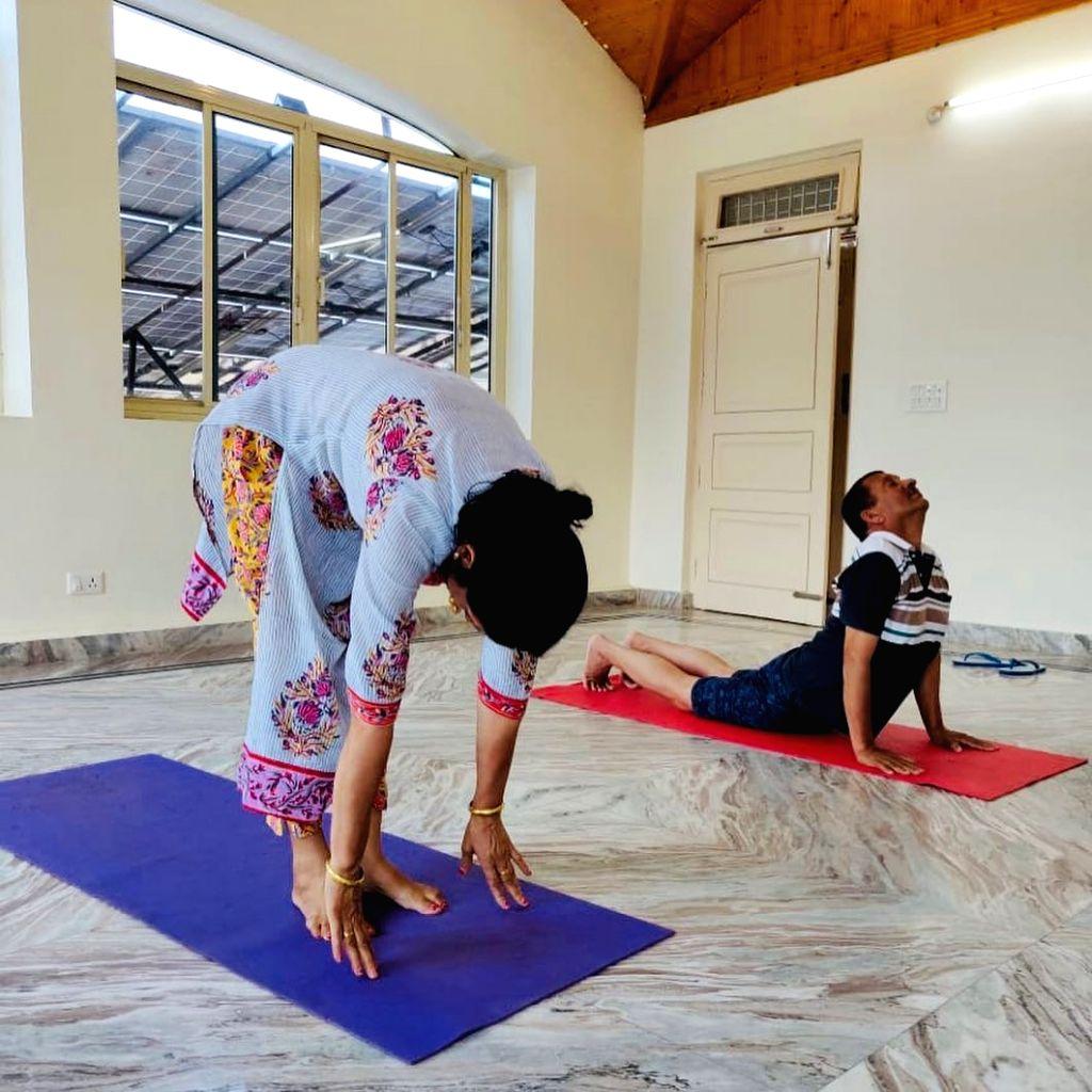 Kangana Ranaut reveals how she inspired her family to start yoga. - Kangana Ranaut