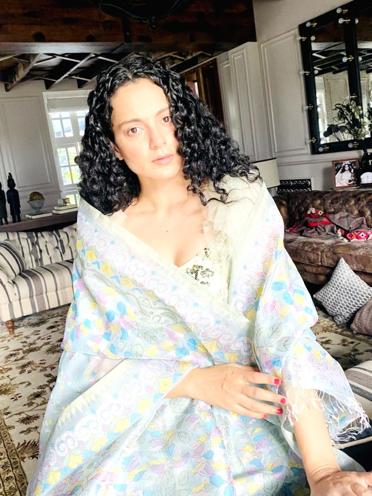 Kangana Ranaut wears Manipuri phanek for a fashion cause. - Kangana Ranaut