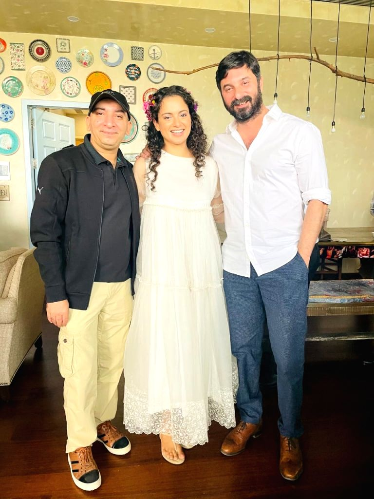 Kangana wraps Bhopal schedule of 'Dhaakad', hints at new venture.