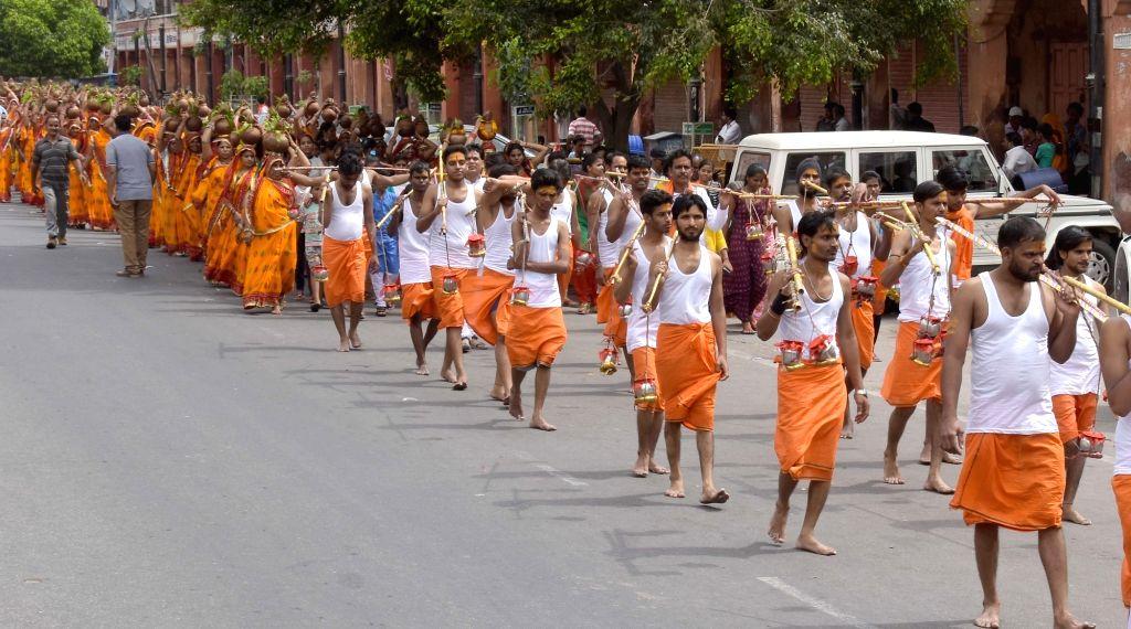 Kanwariyas. (Photo: Ravi Shankar Vyas/IANS)
