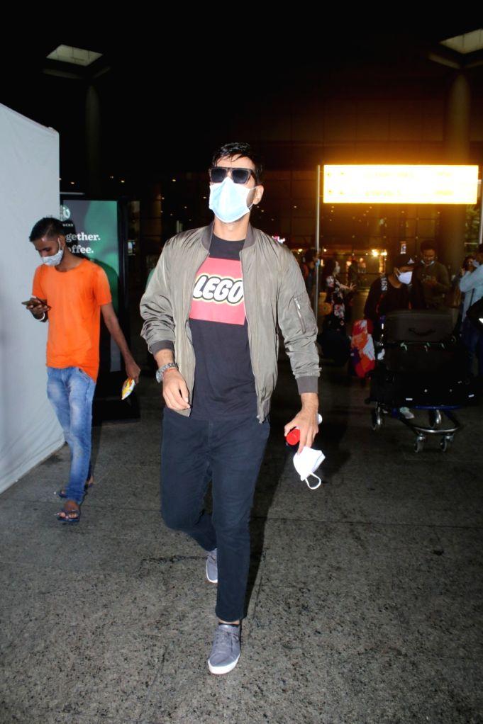 Karanvir Sharma Spotted at Airport On Saturday, 12 June, 2021. - Karanvir Sharma Spotted