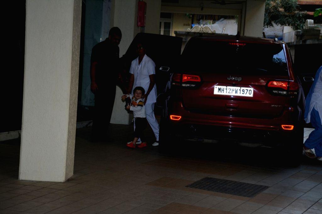 Kareena Kapoor Khan and Saif Ali Khan's son Taimur Ali Khan seen at Bandra, Mumbai on Dec 10, 2018. - Kareena Kapoor Khan, Saif Ali Khan and Taimur Ali Khan