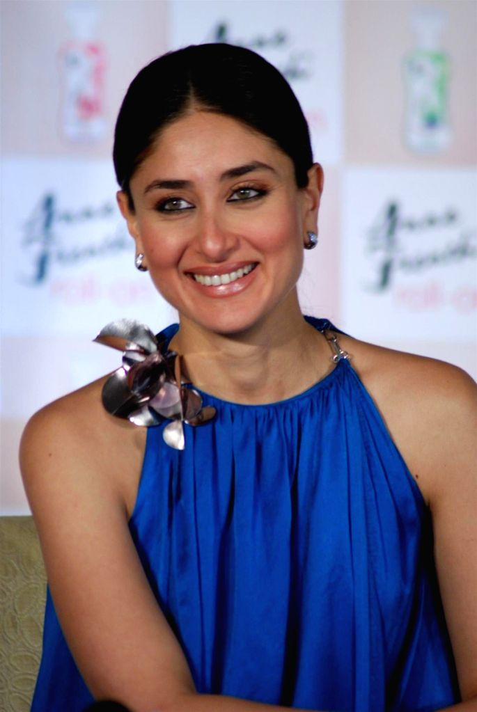 Kareena Kapoor launches Anne French